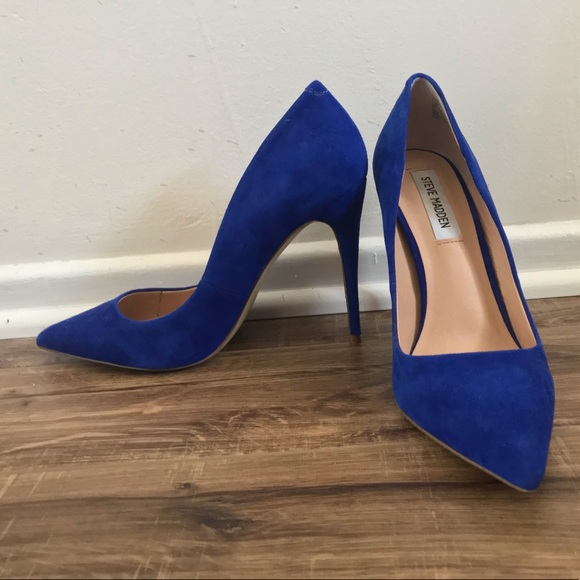 89c826ea348 Like new blue suede Steve Madden Daisie pumps